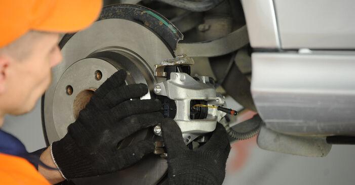 MERCEDES-BENZ E-CLASS 2009 Bremssattel Schritt-für-Schritt-Tutorial zum Teilewechsel