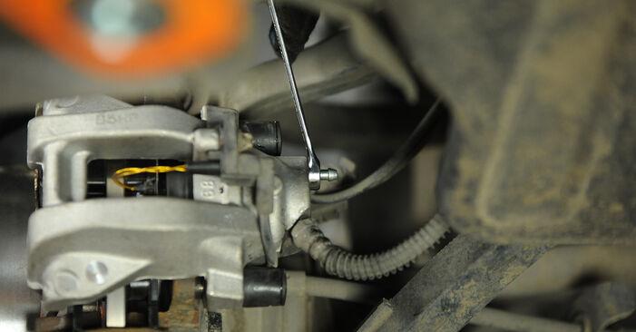 Wie Bremssattel MERCEDES-BENZ E-Klasse Limousine (W211) E 270 CDI 2.7 (211.016) 2003 austauschen - Schrittweise Handbücher und Videoanleitungen