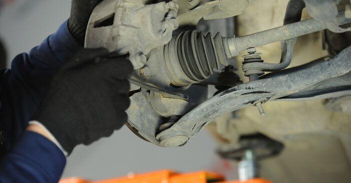 Wie schwer ist es, selbst zu reparieren: Koppelstange Toyota Yaris p1 1.0 (SCP10_) 2005 Tausch - Downloaden Sie sich illustrierte Anleitungen