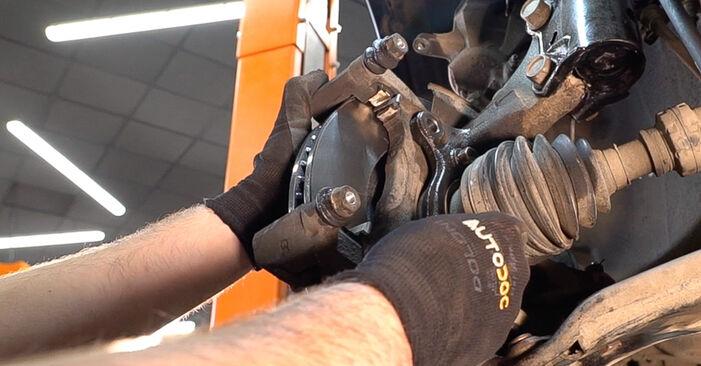 Bremsscheiben Toyota Yaris p1 1.3 (SCP12_) 2001 wechseln: Kostenlose Reparaturhandbücher