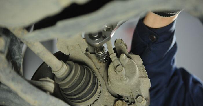 Wie schwer ist es, selbst zu reparieren: Bremsscheiben Toyota Yaris p1 1.0 (SCP10_) 2005 Tausch - Downloaden Sie sich illustrierte Anleitungen