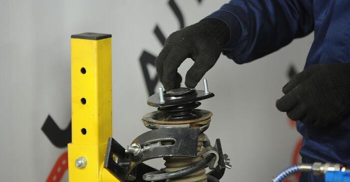 Sustitución de Copelas Del Amortiguador en un Toyota Yaris p1 1.4 D-4D (NLP10_) 2001: manuales de taller gratuitos