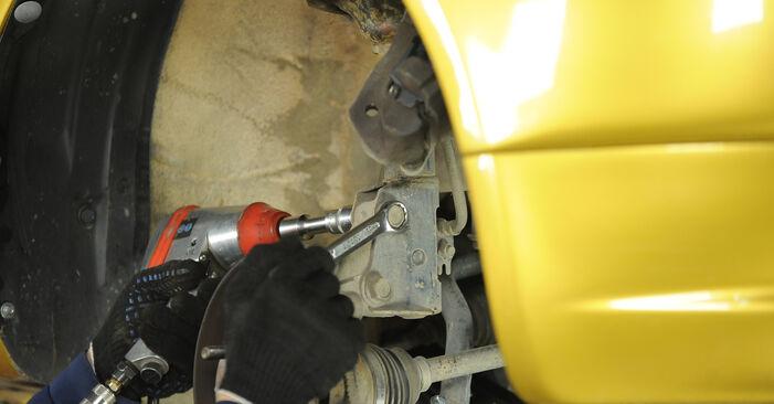A substituição do Rolamento da Roda no TOYOTA Yaris Hatchback (_P1_) 1.3 (SCP12_) 1999 não é mais um problema com o nosso tutorial passo a passo.