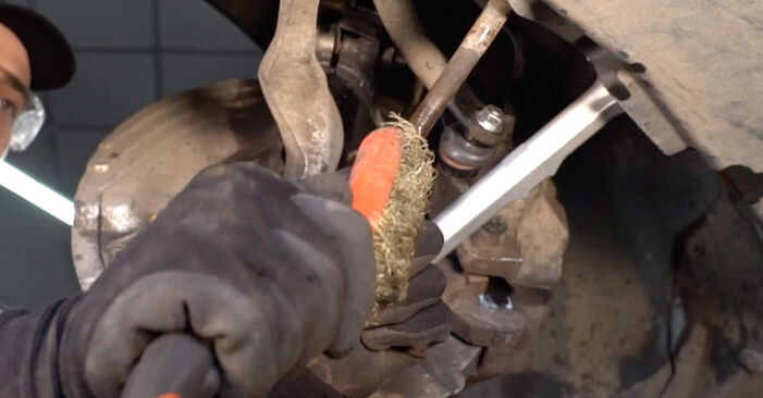 Replacing Track Rod End on BMW E53 2002 3.0 d by yourself