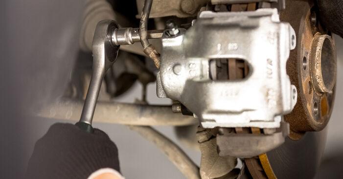 Wie man Bremssattel beim BMW X5 (E53) 2005 auswechselt – Downloaden Sie sich PDF-Tutorials und Videoanleitungen herunter