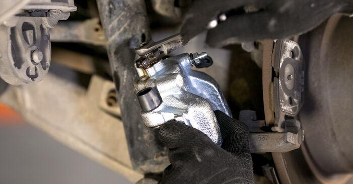Wie BMW X5 4.8 is 2004 Bremssattel ausbauen - Einfach zu verstehende Anleitungen online