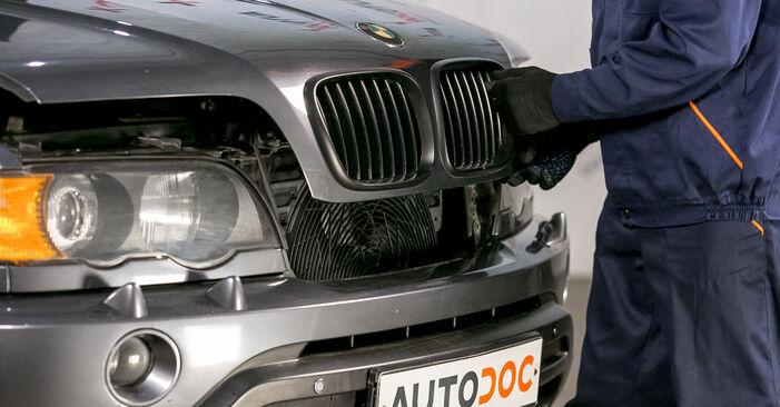 Bremssattel beim BMW X5 4.4 i 2007 selber erneuern - DIY-Manual