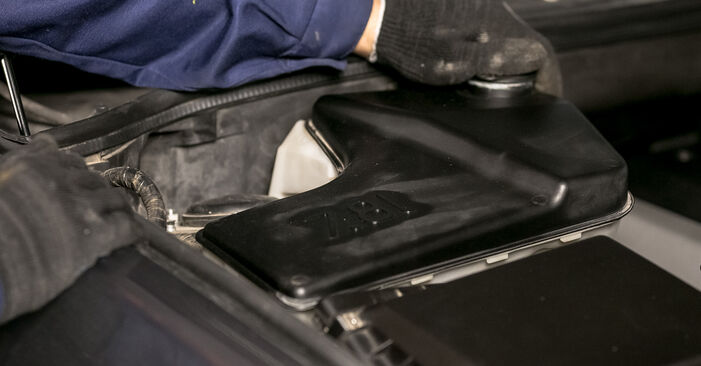 Înlocuirea BMW X5 4.6 is Flansa Amortizor: ghidurile online și tutorialele video