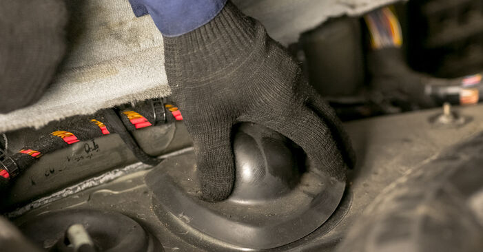 BMW X5 4.6 is Strut Mount replacement: online guides and video tutorials