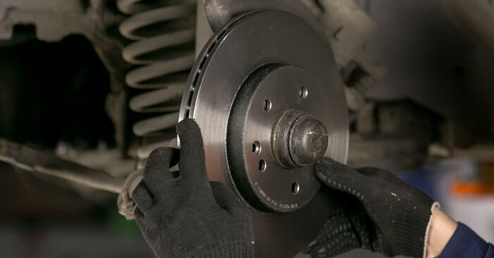 Substituição de Mercedes W202 C 250 2.5 Turbo Diesel (202.128) 1995 Discos de Travão: manuais gratuitos de oficina