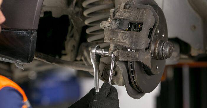 Bremsbeläge Mercedes W202 C 220 D 2.2 (202.121) 1995 wechseln: Kostenlose Reparaturhandbücher