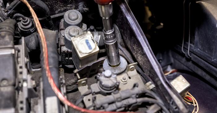 Tausch Tutorial Stoßdämpfer am MERCEDES-BENZ C-Klasse Limousine (W202) 1997 wechselt - Tipps und Tricks