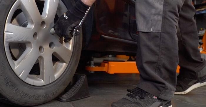 Wie Stoßdämpfer MERCEDES-BENZ C-Klasse Limousine (W202) C 250 2.5 Turbo Diesel (202.128) 1994 austauschen - Schrittweise Handbücher und Videoanleitungen