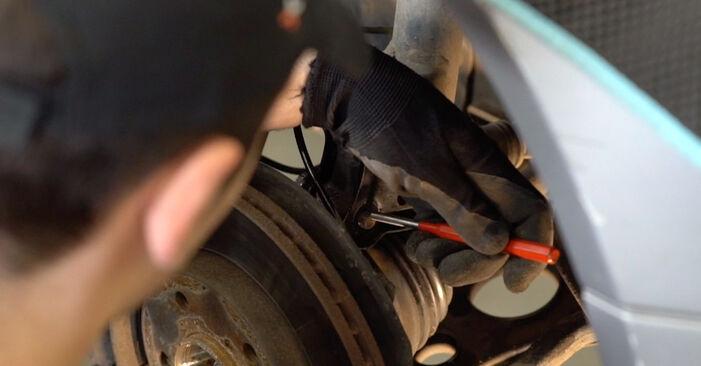 Zweckdienliche Tipps zum Austausch von Stoßdämpfer beim MERCEDES-BENZ C-Klasse Limousine (W202) C 220 D 2.2 (202.121) 1999