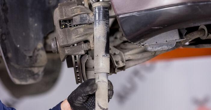 Wie Stoßdämpfer Mercedes W202 C 180 1.8 (202.018) 1993 tauschen - Kostenlose PDF- und Videoanleitungen