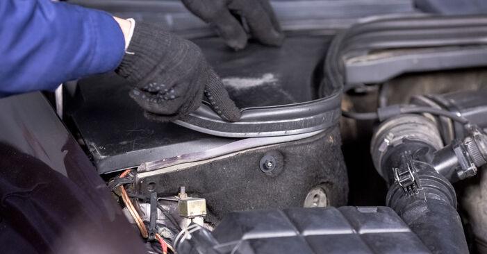 Stoßdämpfer am MERCEDES-BENZ C-Klasse Limousine (W202) C 200 CDI 2.2 (202.134) 1998 wechseln – Laden Sie sich PDF-Handbücher und Videoanleitungen herunter