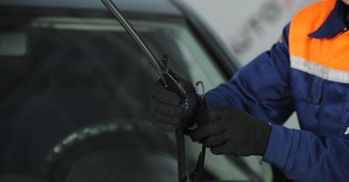 Fiat Punto 188 1.2 16V 80 2001 Scheibenwischer wechseln: Kostenfreie Reparaturwegleitungen