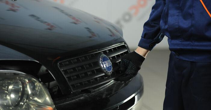 Смяна на Горивен филтър на Fiat Punto 188 2009 1.2 60 самостоятелно