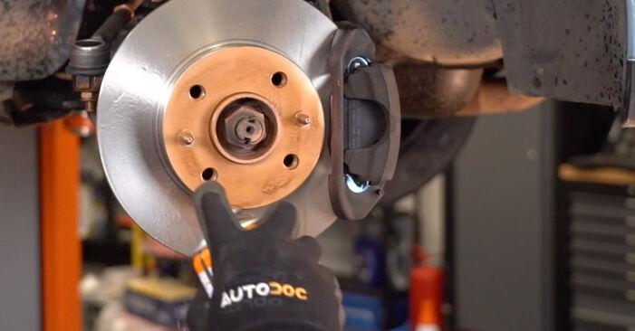 Kuinka poistaa FIAT PUNTO 1.9 JTD 2003 -auton Jarrupalat - helposti seurattavat online-ohjeet