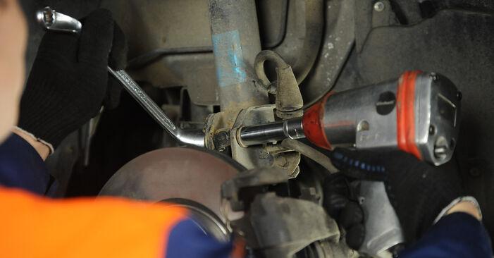 Stoßdämpfer beim FIAT PUNTO 1.8 130 HGT 2006 selber erneuern - DIY-Manual