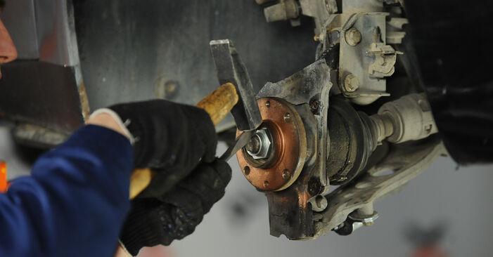 Ako vymeniť Lozisko kolesa na FIAT PUNTO (188) 2011 – tipy a triky