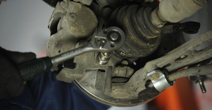 Fiat Punto 188 1.2 16V 80 2001 Lozisko kolesa výmena: bezplatné návody z našej dielne