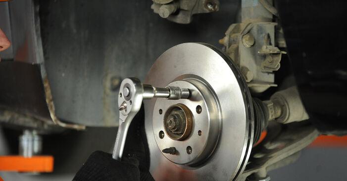 Aké náročné to je, ak to budete chcieť urobiť sami: Lozisko kolesa výmena na aute Fiat Punto 188 1.4 2005 – stiahnite si ilustrovaný návod