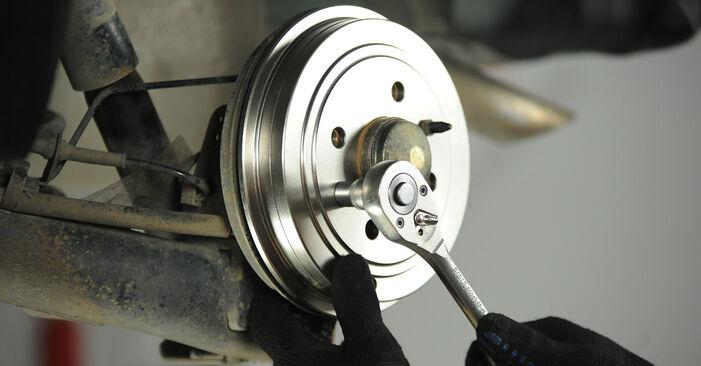FIAT PUNTO 1.9 DS 60 Tambours De Frein remplacement: guides en ligne et tutoriels vidéo