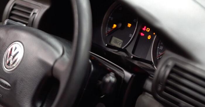 Wie VW PASSAT 1.6 2004 Scheibenwischer ausbauen - Einfach zu verstehende Anleitungen online