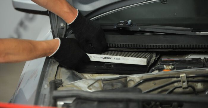 How to remove VW PASSAT 1.6 2004 Pollen Filter - online easy-to-follow instructions