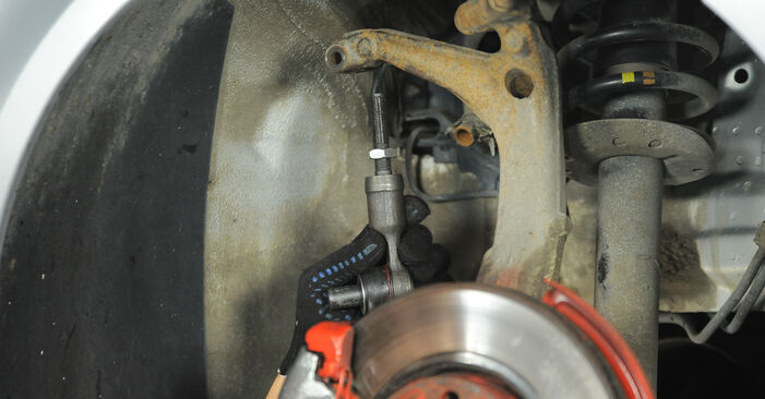Replacing Track Rod End on Passat 3B6 2004 1.9 TDI by yourself