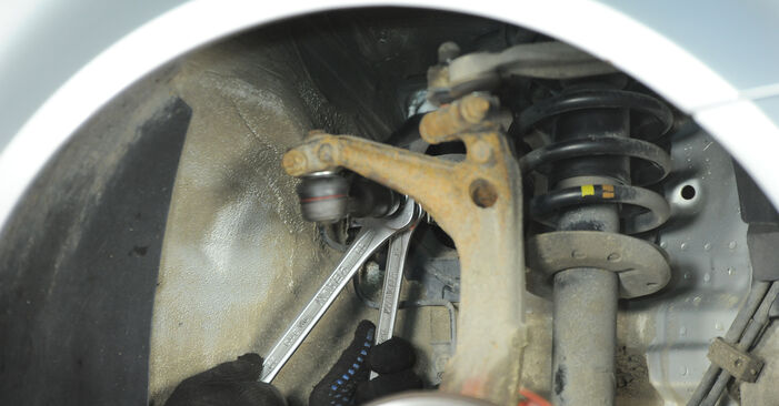 How to change Track Rod End on Passat 3B6 2000 - free PDF and video manuals