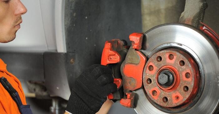Comment changer Étrier De Frein sur VW PASSAT Variant (3B6) 2000 - trucs et astuces