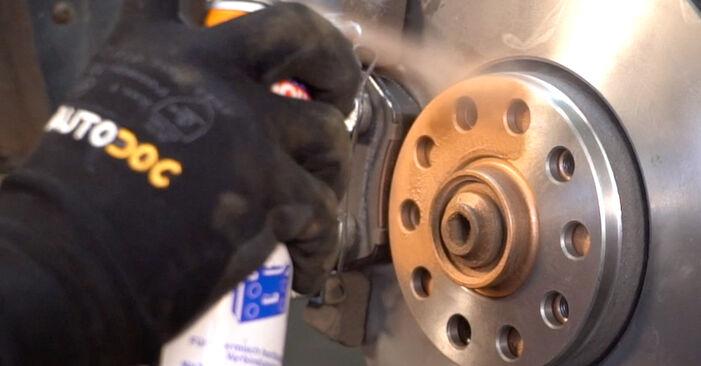 Ako odstrániť VW PASSAT 1.6 2004 Brzdový strmeň - online jednoduché inštrukcie