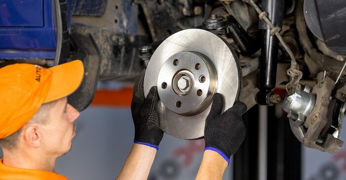 Ako vymeniť Lozisko kolesa na VW Transporter IV Bus (70B, 70C, 7DB, 7DK, 70J, 70K, 7DC, 7DJ) 2002 – tipy a triky