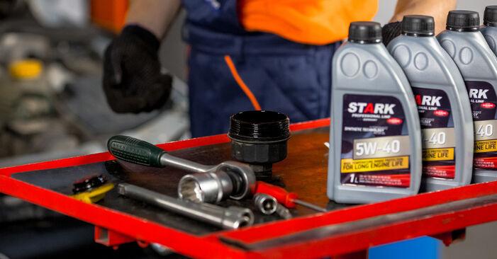 Wechseln Sie Ölfilter beim OPEL Corsa C Schrägheck (X01) 1.2 Twinport (F08, F68) 2003 selbst aus