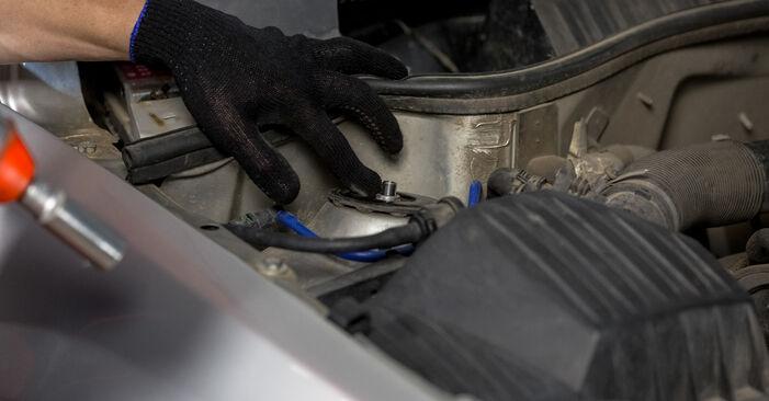 Come cambiare Supporto Ammortizzatore su OPEL Corsa C Hatchback (X01) 2002 - suggerimenti e consigli