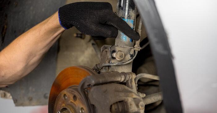 Consigli passo-passo per la sostituzione del fai da te Opel Corsa C 2003 1.7 DTI (F08, F68) Supporto Ammortizzatore