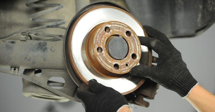Tausch Tutorial Bremsscheiben am VW POLO (9N_) 2001 wechselt - Tipps und Tricks
