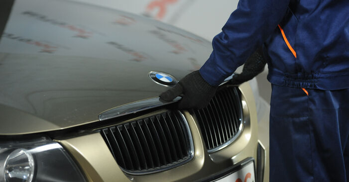 How to change Pollen Filter on BMW E90 2006 - free PDF and video manuals