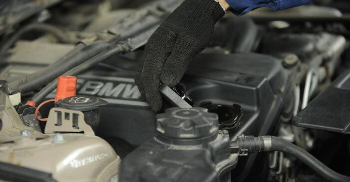 Išsamios BMW E90 2009 325i 2.5 Uždegimo žvakė keitimo rekomendacijos