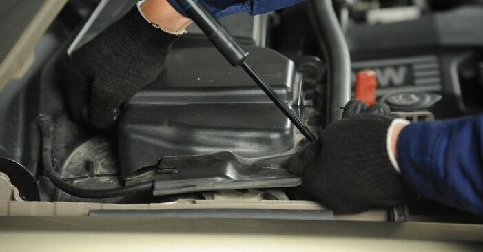 Kaip pakeisti BMW 3 Sedanas (E90) 320d 2.0 2004 Uždegimo žvakė - išsamios instrukcijos ir vaizdo pamokos