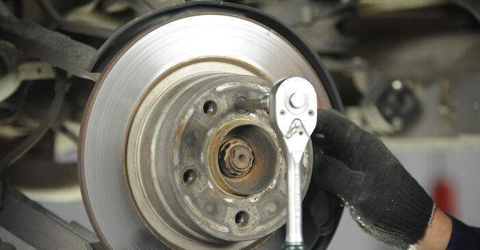 Kā nomainīt BMW 3 Sedan (E90) 2006 Bremžu diski - padomi un ieteikumi