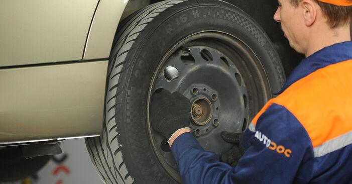 Kā noņemt BMW 3 SERIES 325i 2.5 2010 Bremžu diski - viegli izpildāmas tiešsaistes instrukcijas