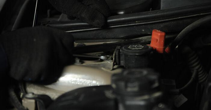 BMW E90 320i 2.0 2006 Amortizatorius keitimas: nemokamos remonto instrukcijos