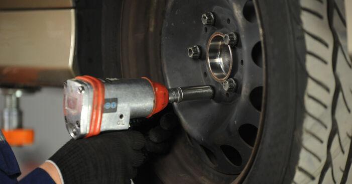 Kako zamenjati Blazilnik na BMW 3 Sedan (E90) 2009 - prenesite PDF priročnike in video navodila