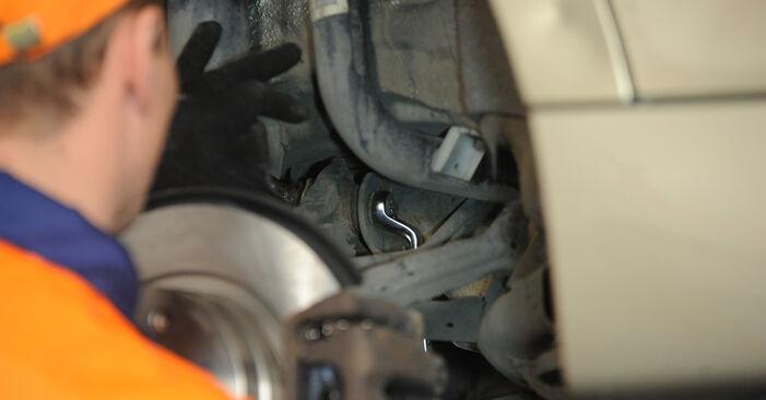Wie schwer ist es, selbst zu reparieren: Querlenker BMW E90 325d 3.0 2006 Tausch - Downloaden Sie sich illustrierte Anleitungen