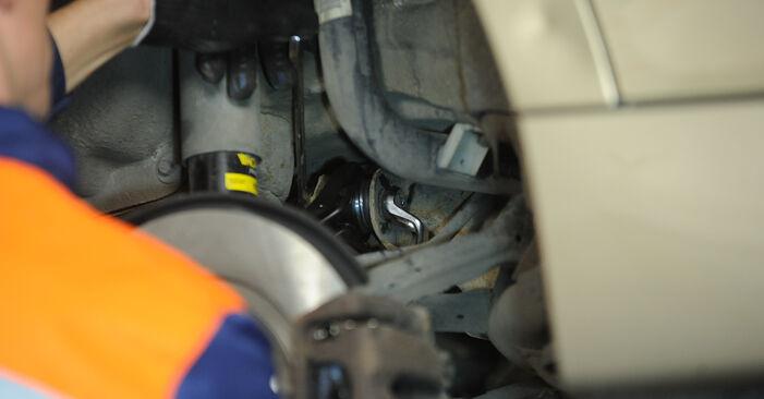Austauschen Anleitung Querlenker am BMW E90 2010 320d 2.0 selbst