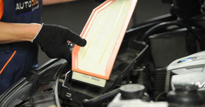 BMW X3 2010 Filtre à Air manuel de remplacement étape par étape