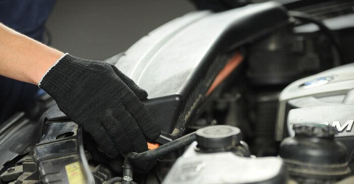 Combien de temps dure le remplacement : Filtre à Air sur BMW X3 E83 2011 - manuel PDF informatif